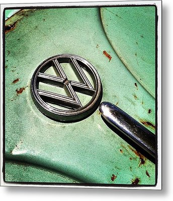 61 V W Metal Print by Gwyn Newcombe