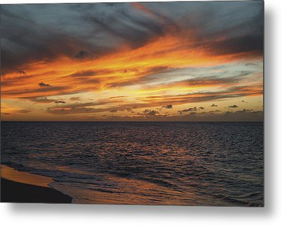 North Shore Sunset Metal Print by Vince Cavataio