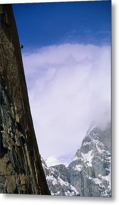 A Climber Rappels Down The Sheer Metal Print by Bill Hatcher