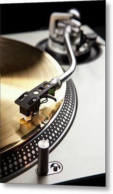 A Gold Record On A Turntable Metal Print by Caspar Benson