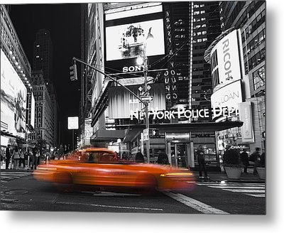 A New York Minute Metal Print by Yelena Rozov