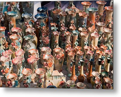 A Number Of Clay Vases And Figurines At The Surajkund Mela Metal Print by Ashish Agarwal