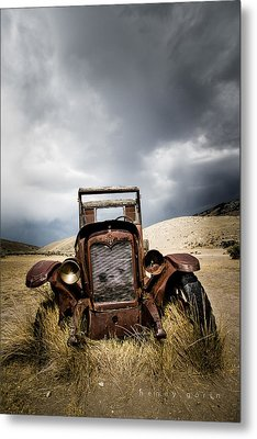 A Old Time Car Metal Print by Henny Gorin