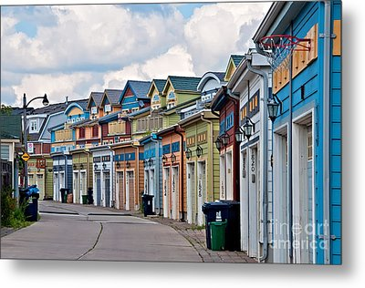 A Pretty Street In The Beach Metal Print by Gerda Grice