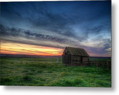 Abandoned Beauty Metal Print by Thomas Zimmerman