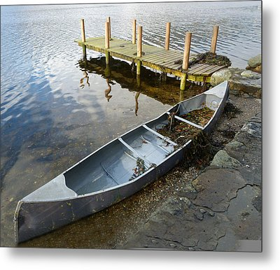 Metal Print featuring the photograph Abandoned Canoe by Lynn Bolt