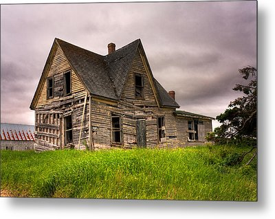 Abandoned Farm House Metal Print by Matt Dobson