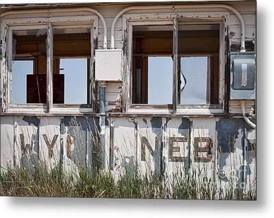 Abandoned On State Line Metal Print