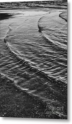 Abstract Waves - Black And White Metal Print by Hideaki Sakurai