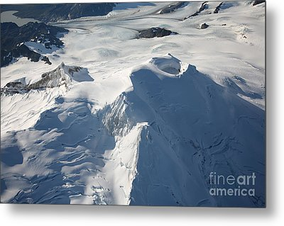 Aerial View Of Glaciated Mount Douglas Metal Print by Richard Roscoe