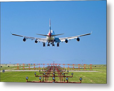 Aeroplane Landing, Canada Metal Print by David Nunuk