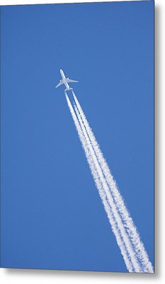 Aircraft Contrail Metal Print by Duncan Shaw