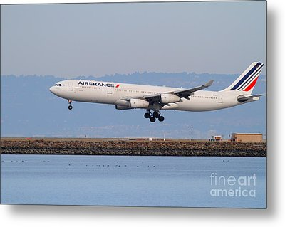 Airfrance Airlines Jet Airplane At San Francisco International Airport Sfo . 7d12223 Metal Print by Wingsdomain Art and Photography