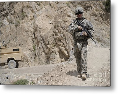 Airman Provides Security During Combat Metal Print by Stocktrek Images