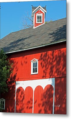 Amish Barn In Shadows Metal Print by Suzanne Gaff