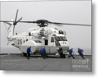 An Mh-53e Super Stallion Helicopter Metal Print by Stocktrek Images