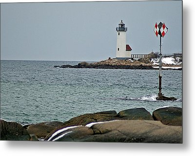 Annisquam Lighthouse Metal Print by Joe Faherty