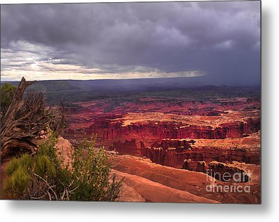 Approaching Storm  Metal Print by Robert Bales