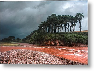Metal Print featuring the photograph Approaching Storm by Shirley Mitchell