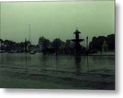 Metal Print featuring the photograph April Fog With Water Fountain by Louis Nugent