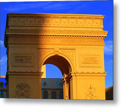 Arc De Triomphe  Metal Print by Linda Edgecomb