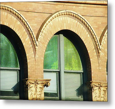 Metal Print featuring the photograph Architecture Memphis by Lizi Beard-Ward