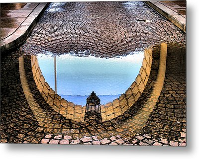 Archway Reflections Metal Print by Steven Ainsworth