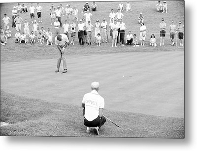 Arnie Putts The 13th At 1964 Us Open At Congressional Country Club Metal Print