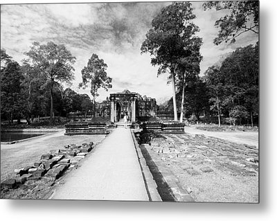 Metal Print featuring the photograph Art Of Temple by Arik S Mintorogo