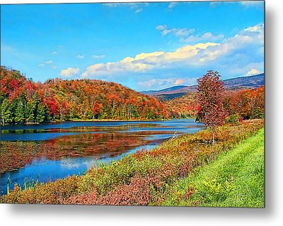 Metal Print featuring the photograph Autumn Invermont by John Selmer Sr