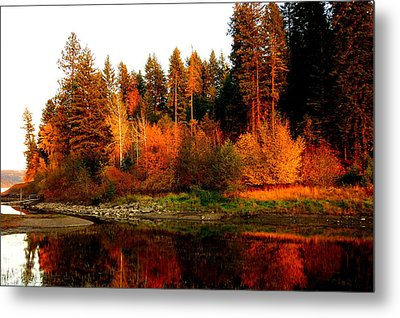Metal Print featuring the photograph Autumn Sunset At Lake Coeur D'alene by Cindy Wright