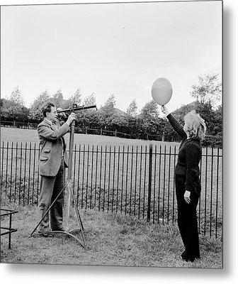 Balloon Viewing Metal Print by Harry Kerr