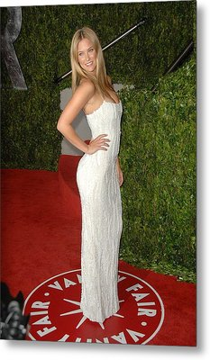 Bar Refaeli At Arrivals For Vanity Fair Metal Print by Everett