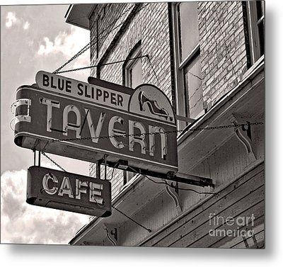 Metal Print featuring the photograph Barhopping At The Blue Slipper by Lee Craig