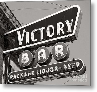 Metal Print featuring the photograph Barhopping At The Victory 1 by Lee Craig