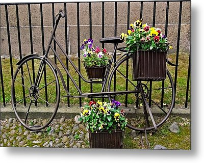 Metal Print featuring the photograph Bicycle In Salem by Caroline Stella