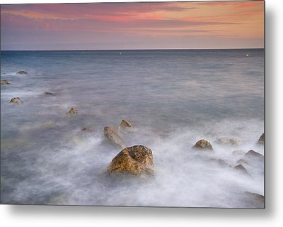 Big Rock Against The Waves Metal Print by Guido Montanes Castillo