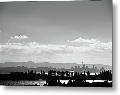 Black And White Skyline Of Auckland, New Zealand Metal Print by Justin Hoffmann Photography