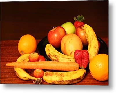 Black Plate And Fruit Metal Print by Andrea Nicosia