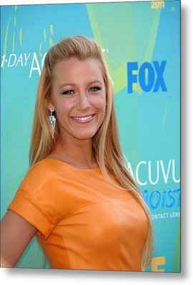 Blake Lively Wearing Lorraine Schwartz Metal Print by Everett