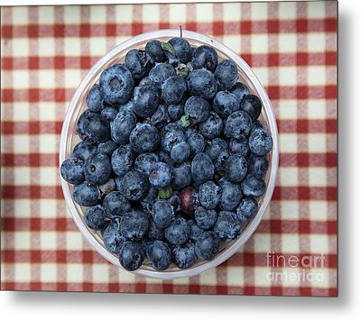 Blueberries - 5d17825 Metal Print by Wingsdomain Art and Photography