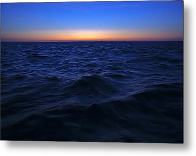 Bluewater Sunset Metal Print by Gary Eason