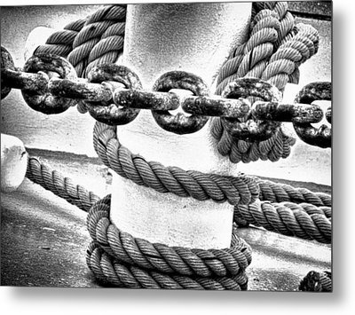 Boat Chain Metal Print by Kelly Reber