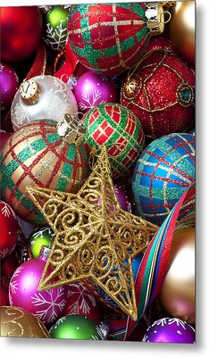 Box Of Christmas Ornaments With Star Metal Print by Garry Gay