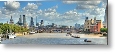 Bridge Over River Thames In London Metal Print by Richard Fairless