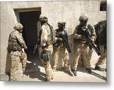 British Troops Training In Iraq Metal Print by Andrew Chittock