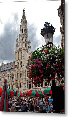 Brussels Town Hall And Cafe In The Grand Place Market Square Belgium Metal Print by Jeff Rose