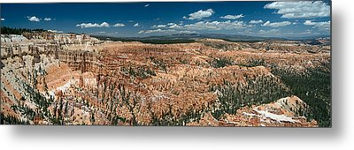 Bryce Canyon Panaramic Metal Print by Larry Carr