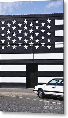 Building With An American Flag Paint Job Metal Print by Paul Edmondson