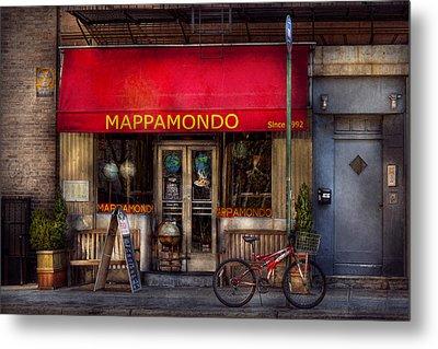 Cafe - Ny - Chelsea - Mappamondo  Metal Print by Mike Savad